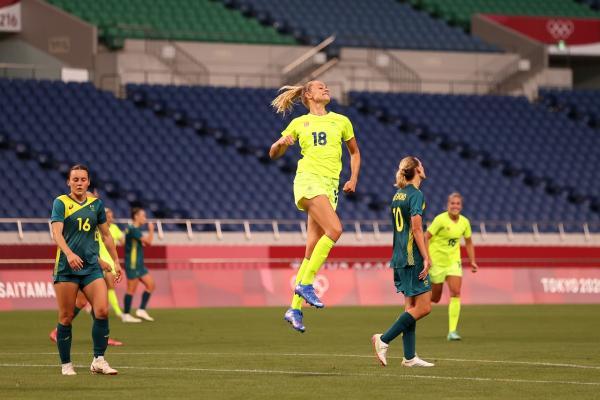 Sweden beat Australia 4-2