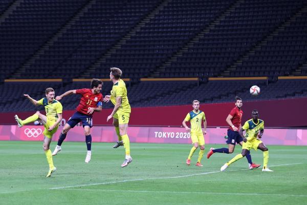 Spain sink Olyroos with late header